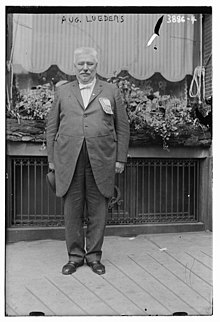 August Lueders at the 1916 Democratic National Convention in St. Louis.jpg