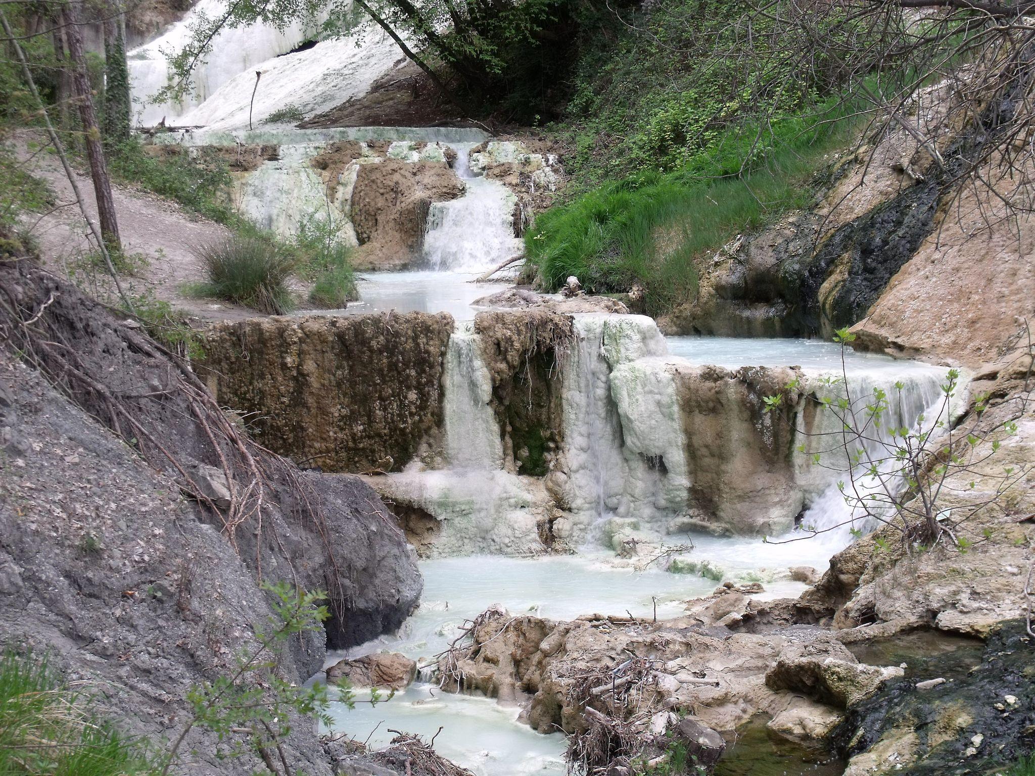 Bagni san filippo castiglione d 39 orcia travel guide for tuscany - Bagni san filippo terme ...