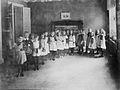Barn på Margaretaskolan, Kommendörsgatan 25, Stockholm - Nordiska Museet - NMA.0036780.jpg