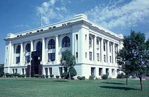 Barton County, Kansas - Image: Barton county courthouse kansas