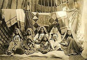Mishar Tatars - Image: Bashkirsi in Yurta