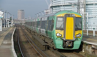 British Rail Class 377 - Image: Battersea Park railway station MMB 30 377605