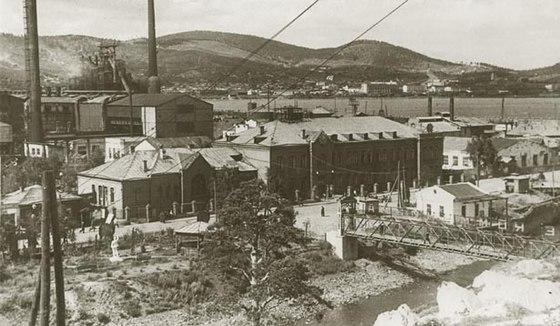 Заводоуправление БМК Белорецк 1916 год | 326x560