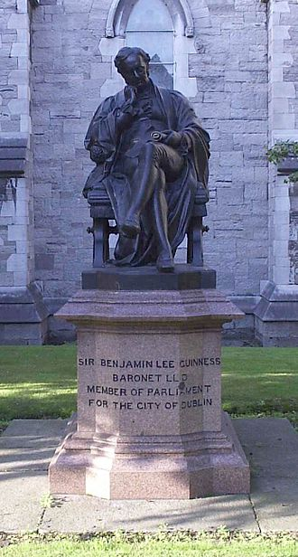 Benjamin Guinness - Statue of Benjamin Guinness in the grounds of St Patrick's Cathedral, Dublin