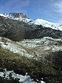 Bergmassiv vom Maral-see in Aserbaidschan.jpg