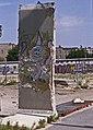 Berlin-Mauerkunst-10-1993-gje.jpg