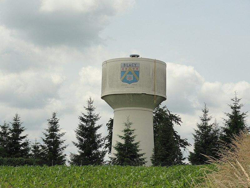 Le château d'eau de Blacy.