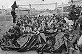 Blokkade UCN-fabriek te Almelo; demonstranten voor het toegangshek van de fabriek, Bestanddeelnr 931-5496.jpg