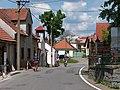 Borotín, silnice pod kostelem.jpg