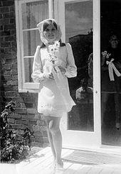 Sposa in minigonna ad Auckland, nel 1968. La diffusione della