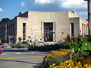 English: Brooklyn Public Library at Grand Army...