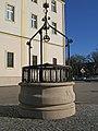 Brunnen vor Kahlenbergkirche.jpg