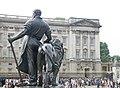 Buckingham Palace (29255479346).jpg