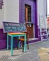 """Buenos Aires- colorful """"vivamos y que pase lo que tenga que pasar"""" (33910621061).jpg"""