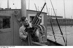 Darne machine gun - Captured Darne machine gun mounted as an anti-aircraft weapon
