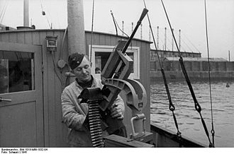 Darne machine gun - Captured Darne machine gun mounted as an anti-aircraft weapon