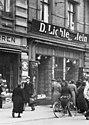 Bundesarchiv Bild 146-1979-046-23, Magdeburg, zerstörtes jüdisches Geschäft.jpg
