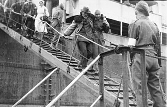 Operation Hannibal - Evacuees arriving at a western harbor, already occupied by British troops