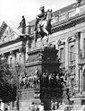 Bundesarchiv Bild 183-1987-0923-319, Berlin, Denkmal König Friedrich II..jpg