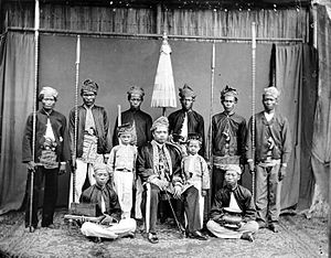 Banjarmasin - Ronggo (a Dutch title used in Borneo and Java) of Banjarmasin with his children