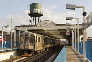 18th station - Image: CTA Pink Line at 18th Street