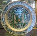 Cafaggiolo, piatto con stemma tornabuoni, 1550 ca., 01.JPG