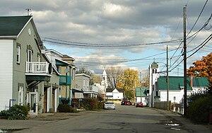 Grenville-sur-la-Rouge, Quebec - Calumet's quiet main street