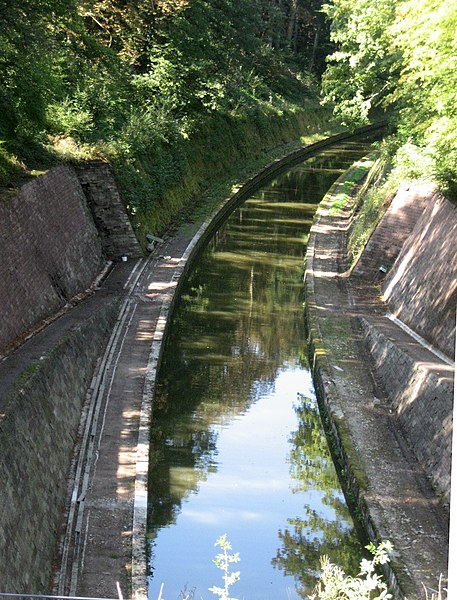 Canal de la Marne au Rhin, entrée du Souterrain de Niderviller. Rhine Marne canal, entrance of Niderviller tunnel .