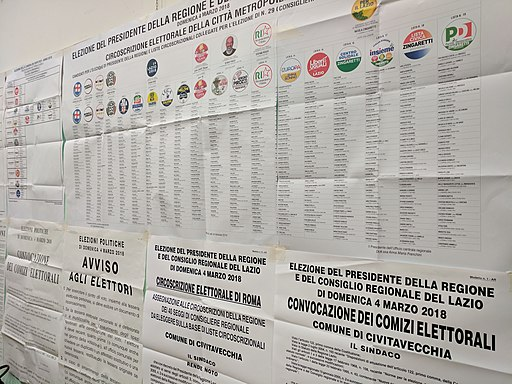 Candidate lists at a Rome polling station, 4 March 2018 (40688224901)