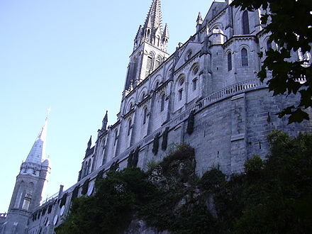 Lourdes Basilica of the Apparitions Catedral de Lourdes (Altos Pirineos).jpg