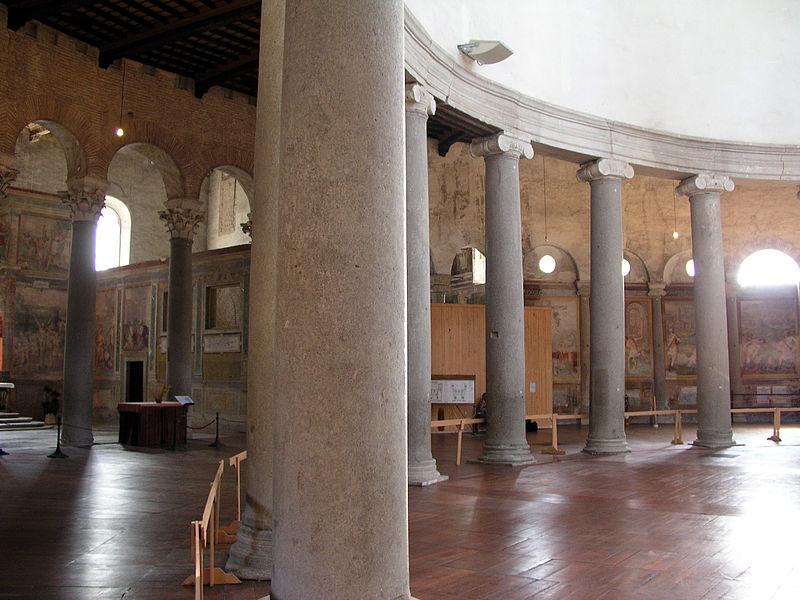 File:Celio - santo Stefano Rotondo - interno1.jpg
