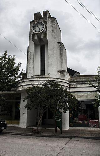 Centro Cultural de González Chavez.JPG