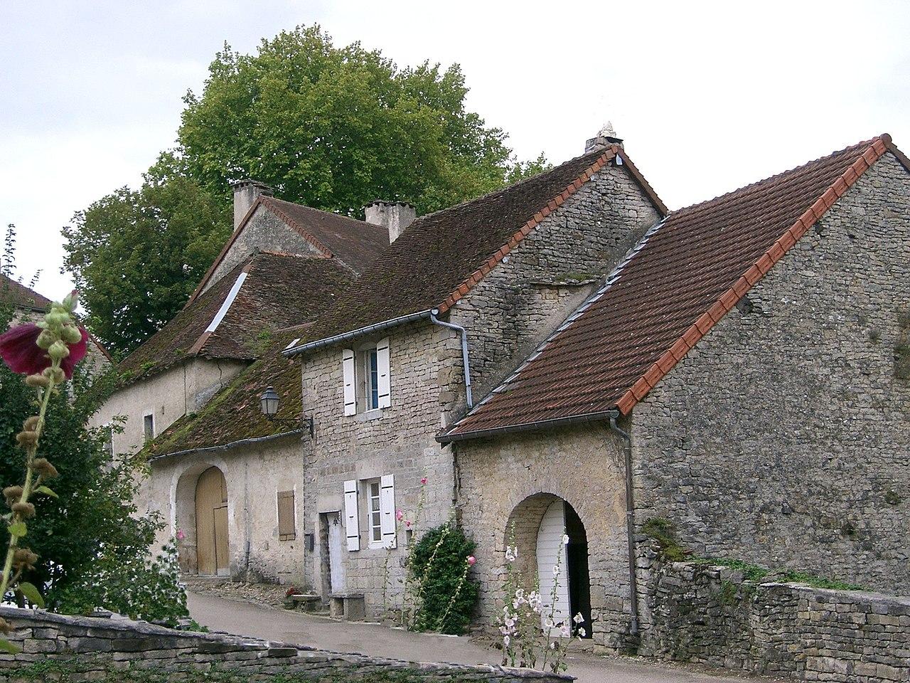 Château-Chalon - vieilles maisons.JPG