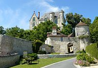 Chateau-preuilly-musee-poterne.JPG