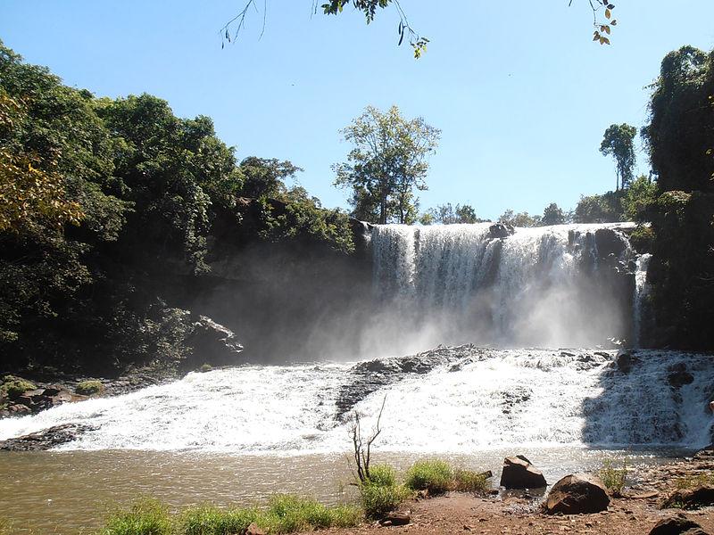 Chrey Thom Waterfall Mondulkiri.jpg