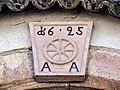 Clé de linteau datée de 1625.jpg