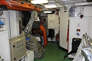 Commandant Blaison torpedos 3.JPG