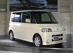Daihatsu Tanto 01.jpg
