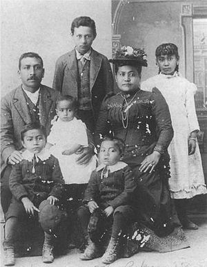 Kanaka (Pacific Island worker) - Hawaiian family who settled in British Columbia, ca. 1890