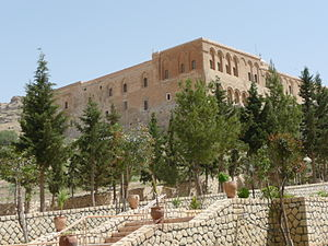 Mor Hananyo Monastery - Image: Deyrulzaferan P1030925 20080501122627