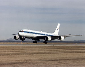 Douglas DC-8 72 just before touchdown.jpg