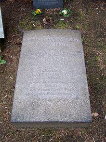 Grab von Zeschau auf dem Inneren Neustädter Friedhof in Dresden (Quelle: Wikimedia)