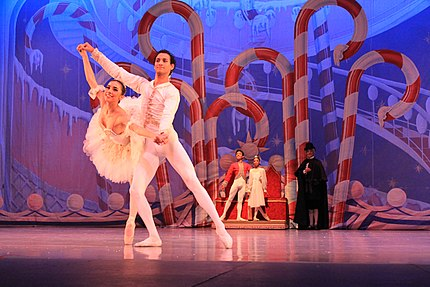 ESMD The Nutcracker 2011 grand pas de deux.jpg