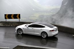 EV Rally Trollstigen Tesla Model S.jpg