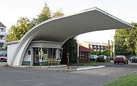 Ehemalige Tankstelle von 1957 - Hannover-Badenstedt Gabelung Burgundische Straße-Empelder Straße - panoramio.jpg