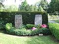 Ehrengrab Elisabeth Selbert (Friedhof Niederzwehren).jpg