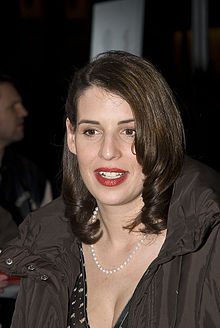 Wikipedia: Elena Uhlig at Wikipedia: 220px-Elena_Uhlig_Berlinale_2008