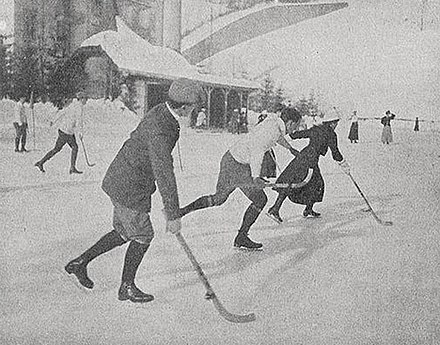 Men and women playing hockey in Switzerland 1914 Engelberg-1914.jpg