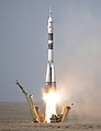 Expedition 56 Launch (NHQ201806060004).jpg