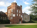 Farnham Castle Fox's Tower.jpg